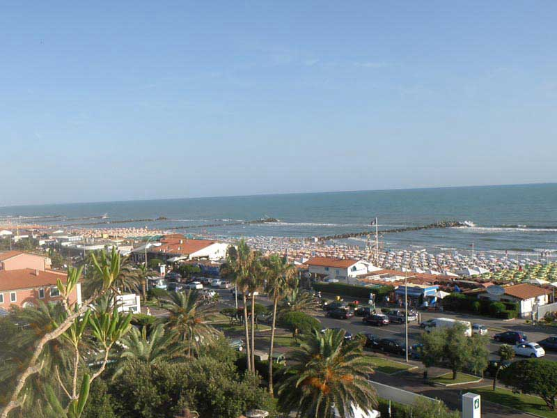 Photo Marina di Massa by Camping Lilly Pineta