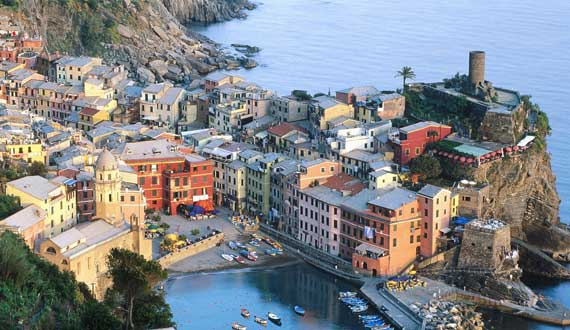 Cinque Terre is 52 km far from the Camping
